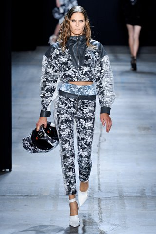 images/cast/10150279416822035=my job on fabrics x=alexander wang show Summer 2012 ny